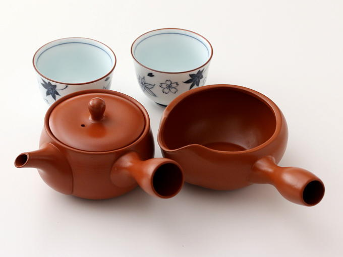 You also can match this tea set with Yuzamashi. If you would like Yuzamashi, would you order it together?