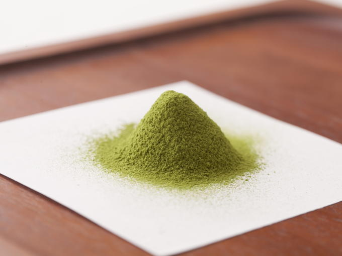 This Matcha keeps its mellow taste and bright green color, even if used for baked goods.