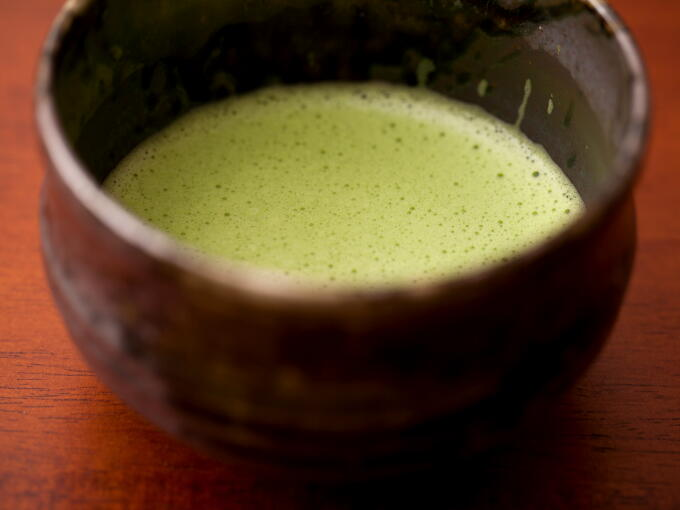 Quality Matcha should form a fine smooth lather for the best taste. Higher grade Matcha is brighter green in color, with an especially smooth and mellow flavor.