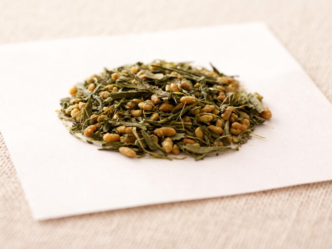 Genmaicha Matcha-iri is a mix of roasted brown rice and Sencha, dusted with a light coating of Matcha.