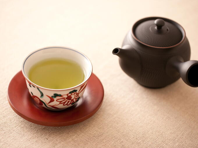 Brewed infusion color of Organic Gyokuro is bright green.