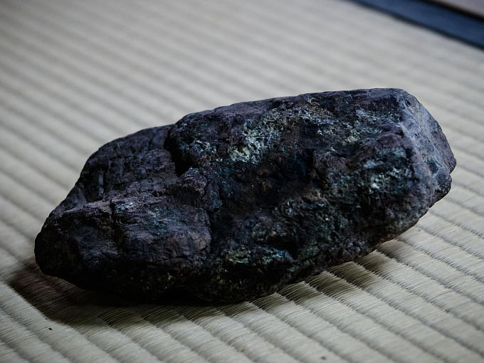 KAMOGAWA stone used for black glaze of Raku Yaki. It is now very rare and precious.