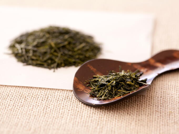 Tea leaves of Sencha Fukamushi are crumbled or broken apart into smaller pieces because they are steamed more heavily in processing.