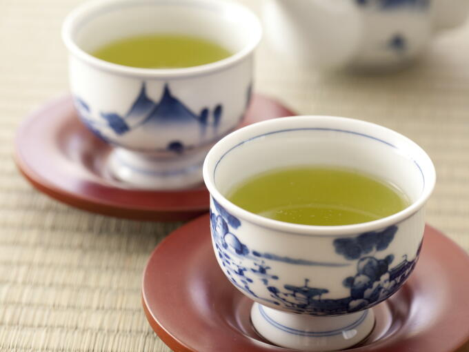 Brewed infusion of Shincha Fukamushi is bright green. The flavor is excellent with a fresh aroma and sweet, smooth taste.