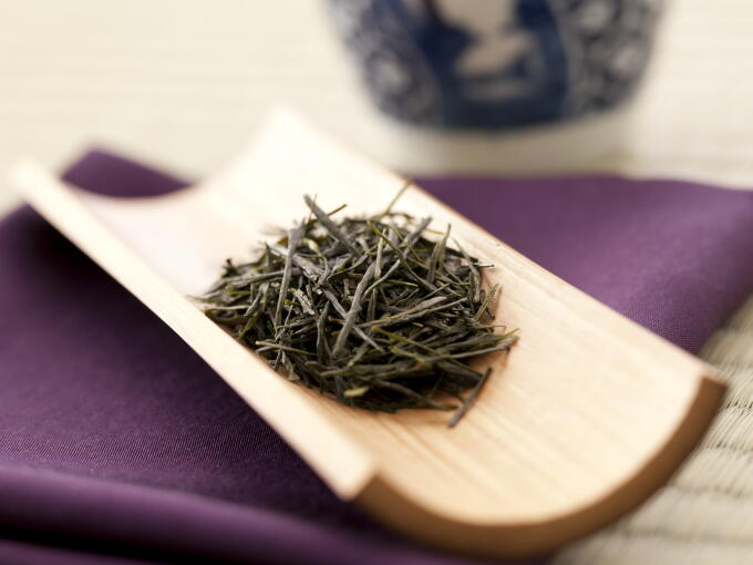 Shincha tea leaves have more of a smooth sheen than tea aged one year. The sheen hints at the fresh flavor.
