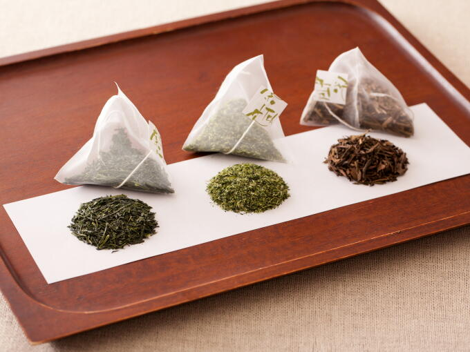 Starting from the left to right, Teabag Sencha, Teabag Gyokuro, and Teabag Houjicha