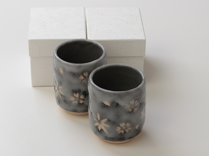 [Limited] SHINO SHUNJYU - pair (handcrafted Teacup)